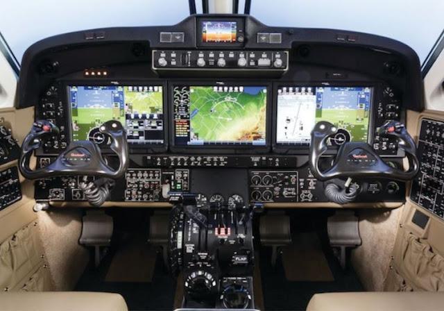 Beechcraft King Air 350ER cockpit