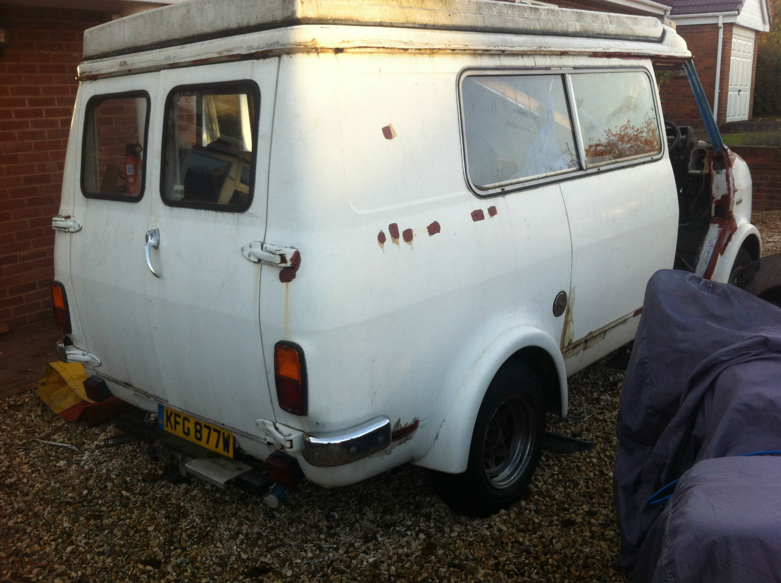 9f706dd00a This pop-top CF camper for sale on ebay. It has plenty of rust issues but  it could be a good project if you can fix it up. It s located in  Stourbridge