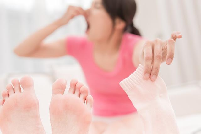 Tips Cara Alami Hilangkan Bau Kaki