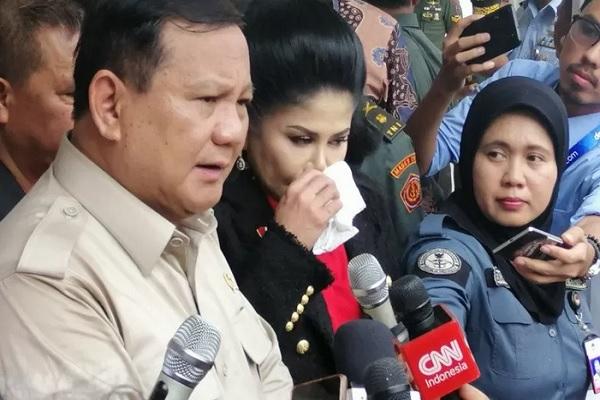 Prabowo Pantau Investigasi Ledakan Granat di Monas