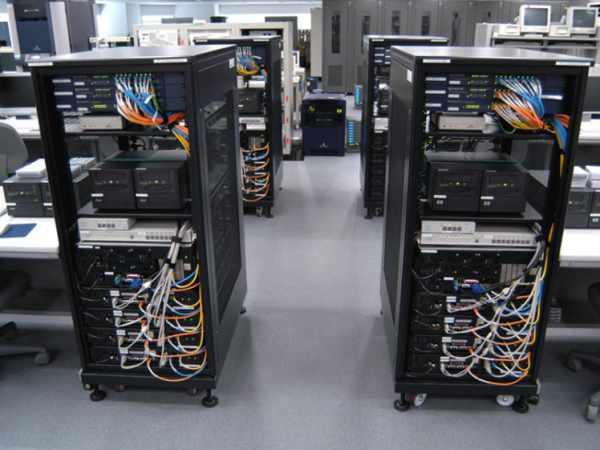 Perbedaan Komputer Server dan Client