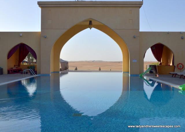 Tilal Liwa Hotel infinity pool
