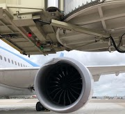 Engine of TUI Fly Boeing 787 Dreamliner Damaged at Amsterdam Schiphol (Video)