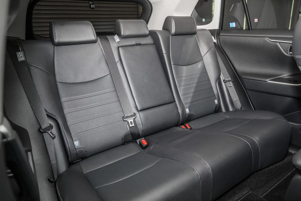 Toyota RAV4 2020 trình làng tại ĐNÁ - 2 phiên bản, giá từ 45.959 USD