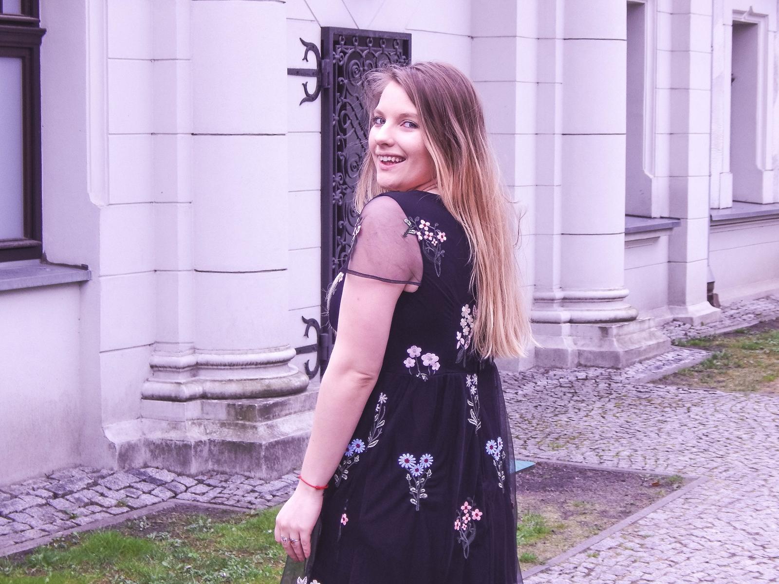 1 orsay trendy wiosna 2018 nowa kolekcja moda fashion blog blogerki modowe łódź z łodzi łódzkie melodylaniella fashion instagram sukienka na wesele różowy płaszcz granatowe pantofle total look