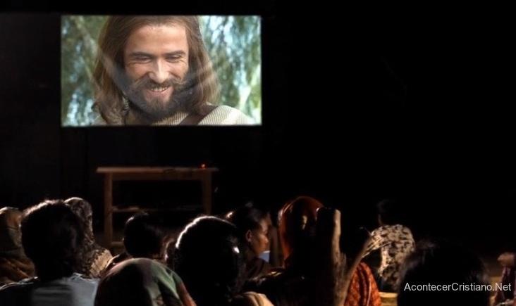 Mirando película Jesús