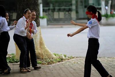 aprende ingles juego la gallina ciega blind man's buff