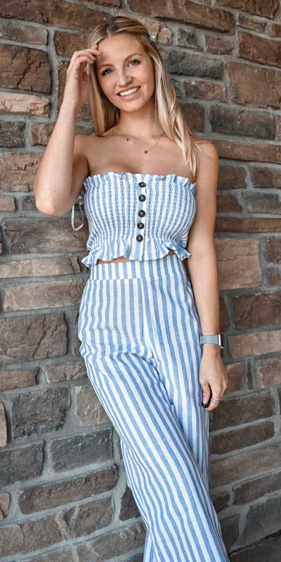 Do you like comfortable & cozy dress outfits? See these 29 Best Casual Dressy Outfits to Look Fantastic. Women's Style + Fashion via higiggle.com | Jumpsuit | #fashion #dress #dressoutfits #jumpsuit