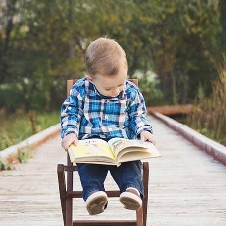 Sedari kecil gemar membaca