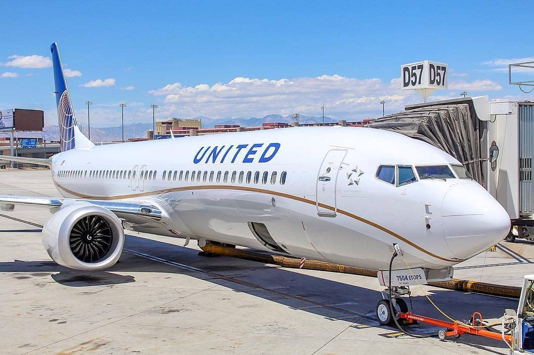 united airlines - WhatsApp Wishes, SMS, Quotes, Facebook