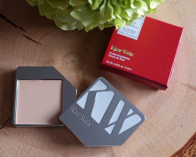 Kjaer Weis Cream Foundation in Lightness