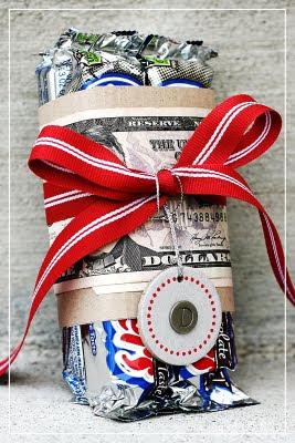 Christmas gifts, DIY Christmas gifts, popular pin, Christmas gift ideas, cheap gift ideas, holiday gift ideas.