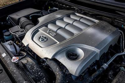 Toyota-Land-Cruiser-Motor-V8