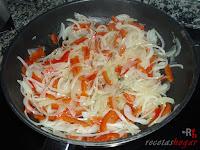 Cebolla y pimiento rojo mezclados