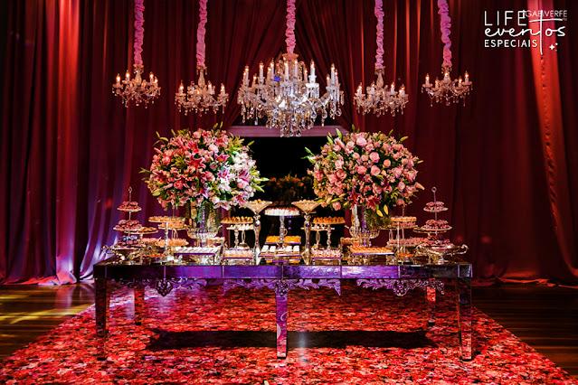 casamento com cerimônia na igreja nossa senhora das dores em porto alegre e recepção na casa vetro com decoração luxuosa sofisticada elegante em tons de rosa por life eventos especiais