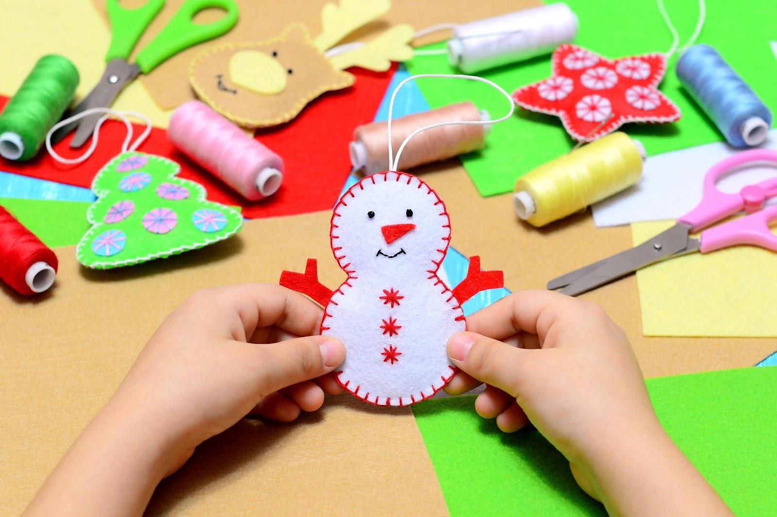 figuras navideñas con fieltro y lana