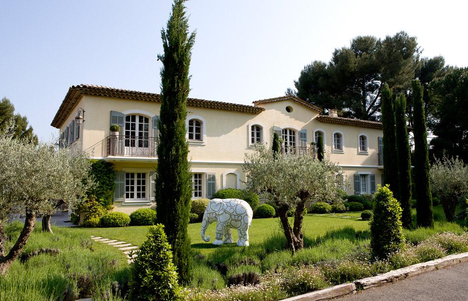 Casa con decoraci n estilo ingl s ideas para decorar for Decoracion estilo ingles clasico