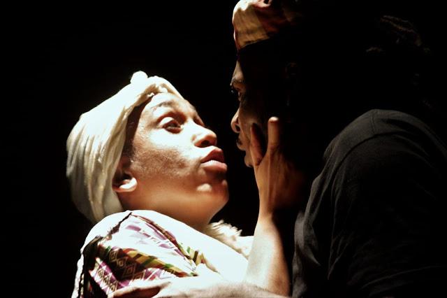 """Espetáculo """"Esperança na Revolta"""" leva histórias de resistência para o palco do Sesc Tijuca"""