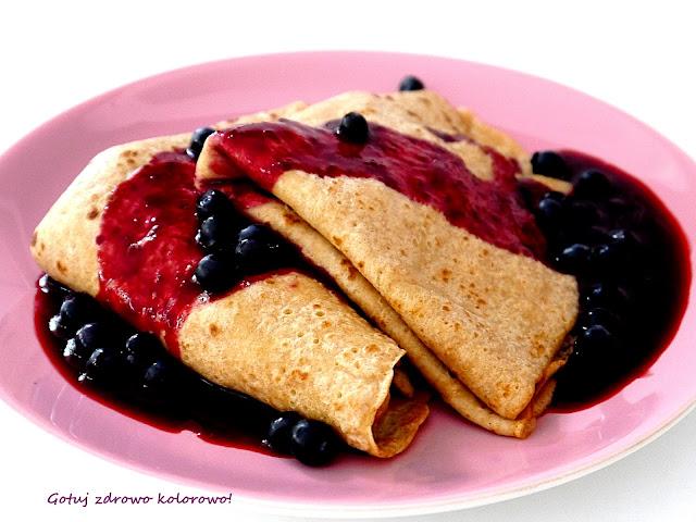 Naleśniki z samopszy z białym serem i jagodami - Czytaj więcej »