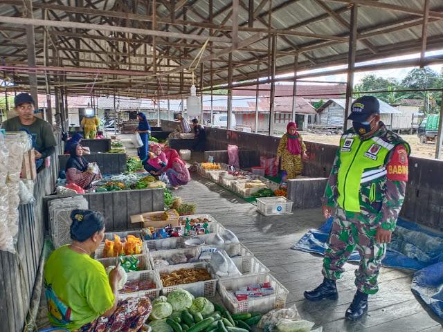 Kodam VI/Mlw, Koramil Sebulu Dan Pemerintah Desa Sumber Sari Tertibkan Pedagang