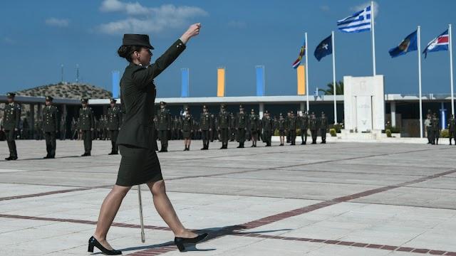Μία σημαντική στιγμή για τον Ε.Σ.: Οι δύο πρώτες γυναίκες απόφοιτοι ΣΣΕ προήχθησαν σε Συνταγματάρχες