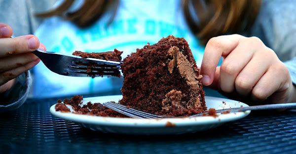 Surge  #Lady100pesos exigió que le vendieran un pastel barato para el día de las madres (FOTOS)