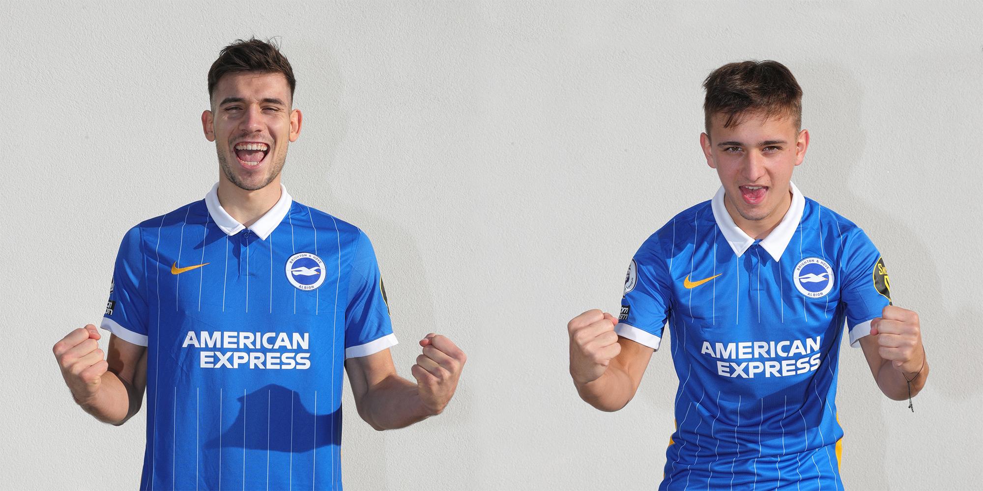 Jakub Moder i Michał Karbownik w barwach nowego klubu<br><br>fot. Brighton &Hove Albion