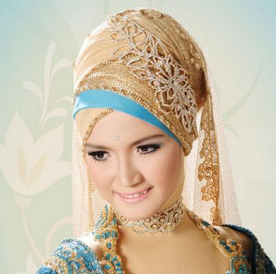 Model Kebaya Warna Gold Modern Barhijab Terbaru