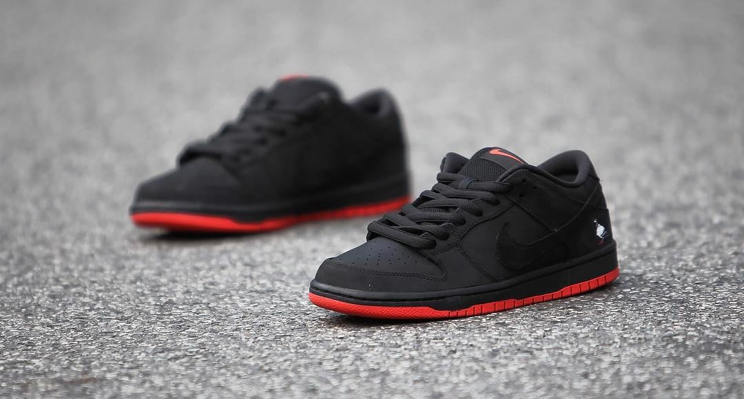 """0ed160f203a6 Nike SB Dunk Low TRD QS """"Pigeon"""" Release Date  11 11 17. Color  Black Black- Sienna Style    883232-008"""