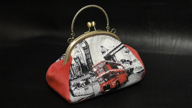 Женская сумочка с ручкой, небольшая сумочка на защелке Символы Лондона