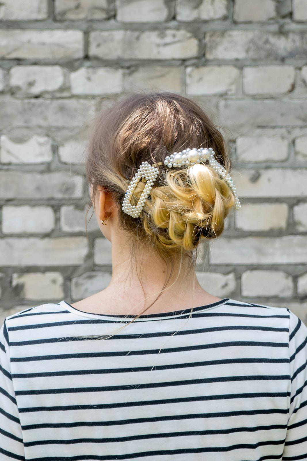 3 gdzie kupić ozdobne spinki do włosów z perłami i muszelkami fryzury, które odmładzają, postarzają, dodają lat, podobają się facetom, wyszczuplają twarz, proste fryzury do zrobienia samemu krok po kroku