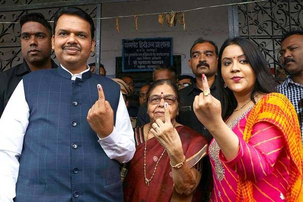 एग्जिट पोल के महापोल में देवेंद्र फडणवीस की बन रही सरकार,महाराष्ट्र में फिर खिलेगा कमल