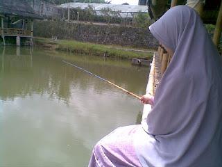 akhwat mancing