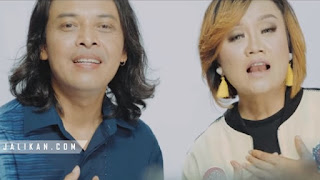 Lirik Lagu Wanti Warsa Widi Widiana feat Dek Ulik