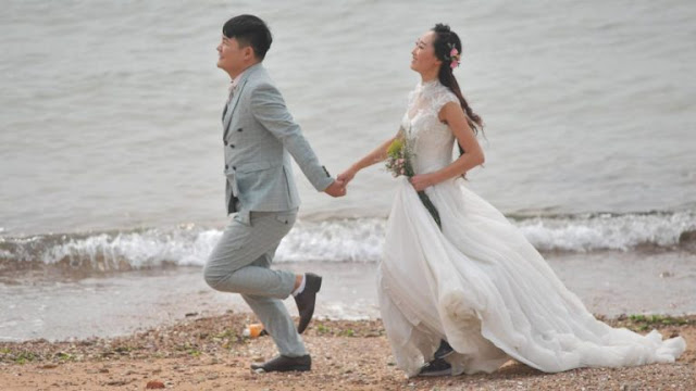 China bans rich wedding ceremonies