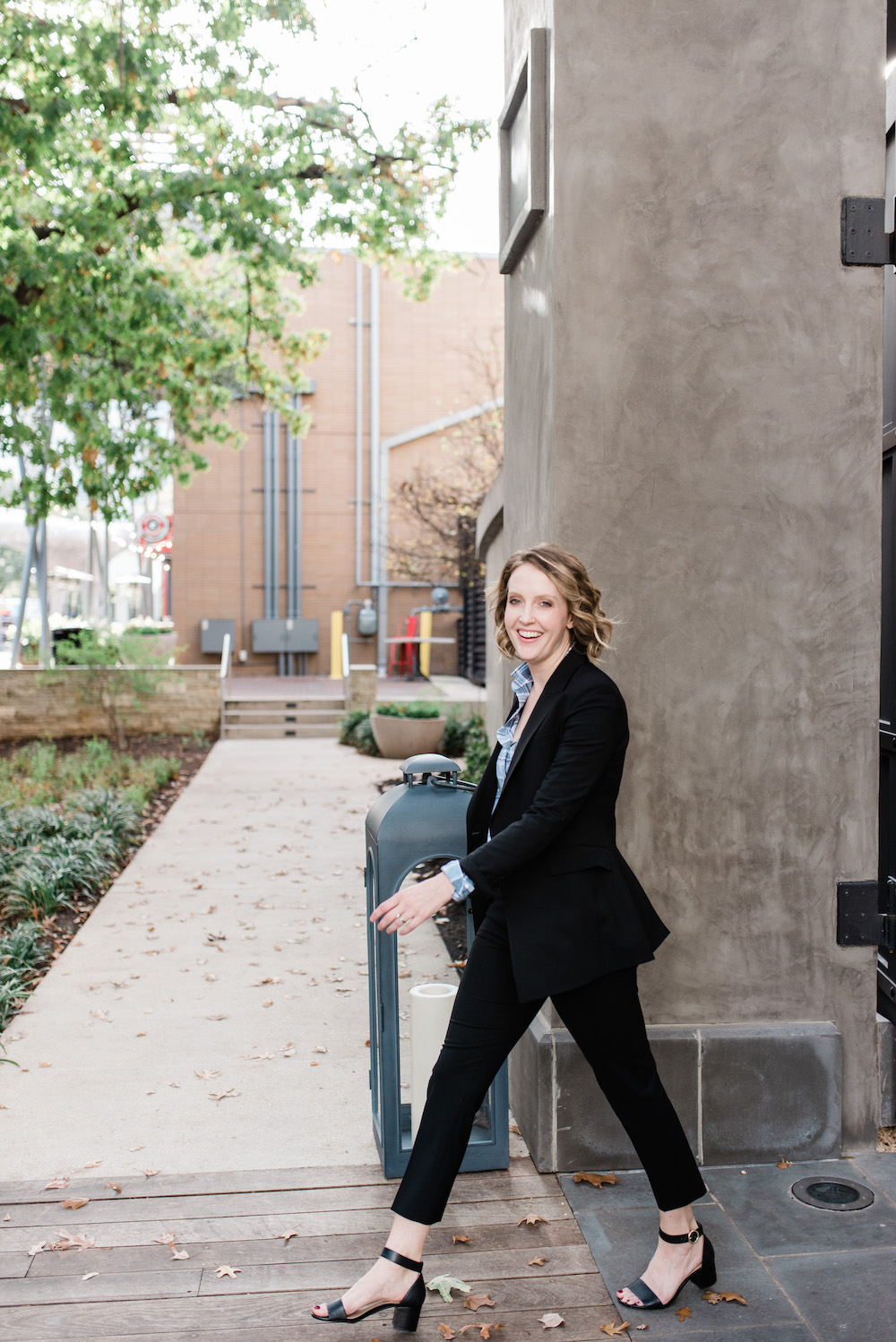 Day in the Life: Working Mom of 3, theory suit, domain Northside, women's workwear, women's suit, women's work style, Austin fashion blogger, working mom blog, working mom blogger, Austin blogger, Austin mom blog, Austin mom blogger, Texas blogger, Austin marketer, women in business, maintaining balance as a working mom, how to be a working mom and raise kids, how to manage kids and work, blogging and working full time, full time working mom, Georgetown Texas, round rock blogger, Georgetown blogger, cedar park Texas, Georgetown blogger