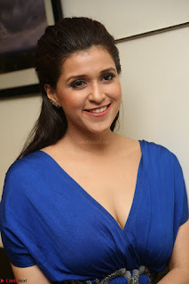 Mannara Chopra in Short Blue Dress at Rogue Movie Teaser Launch 1st March 2017 083.JPG