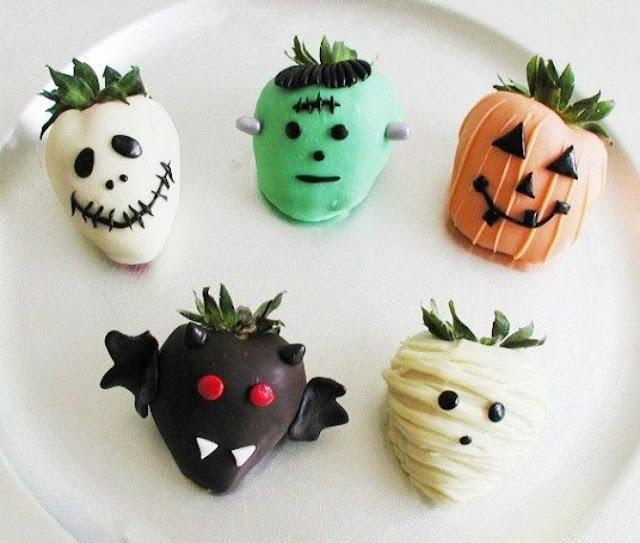 клубника, клубника в шоколаде, шоколад, глазурь, ягоды, десерты ягодные, десерты клубничные, ягоды в глазури, десерты, сладости, глазурь шоколадная, блюда из клубники  десерты на Хэллоуин, клубника на Хэллоуин, рецепты на Хэллоуин, блюда монстры, монстры