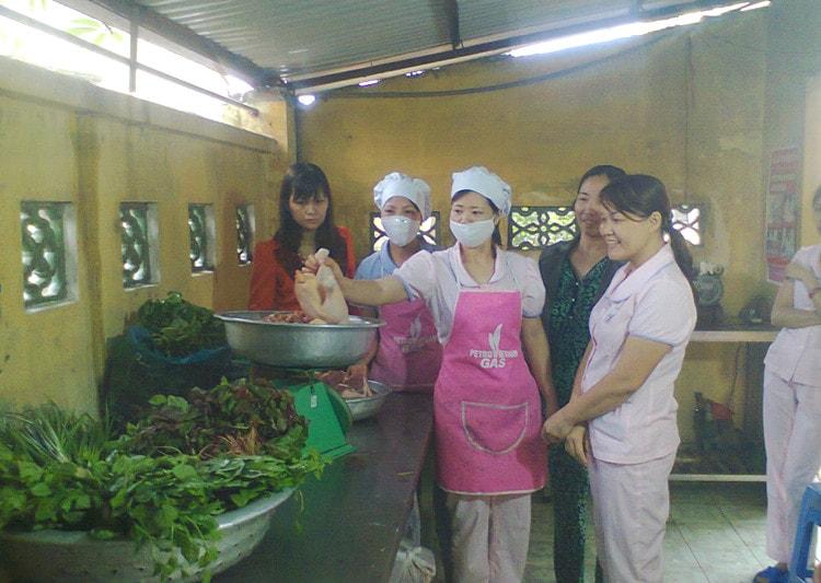 Sáng kiến kinh nghiệm nâng cao chất lượng bữa ăn cho trẻ trong trường mầm non