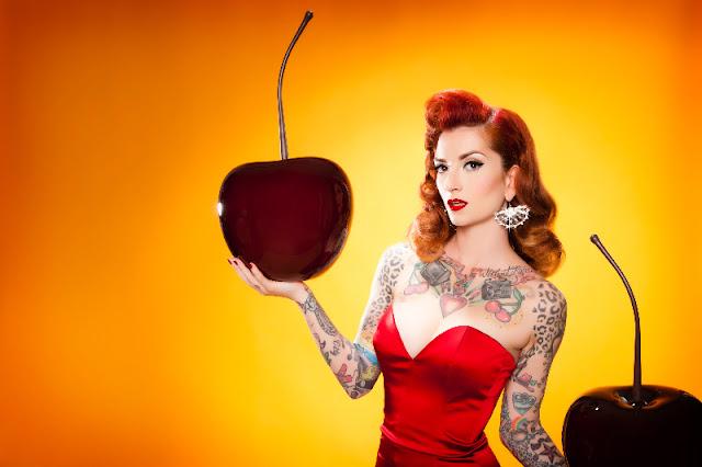 Featured Pinup, modern tattooed pinup, pinup girl tattoo, pinup girl tattoo ideas, pinup tattoo, tattooed pinup,