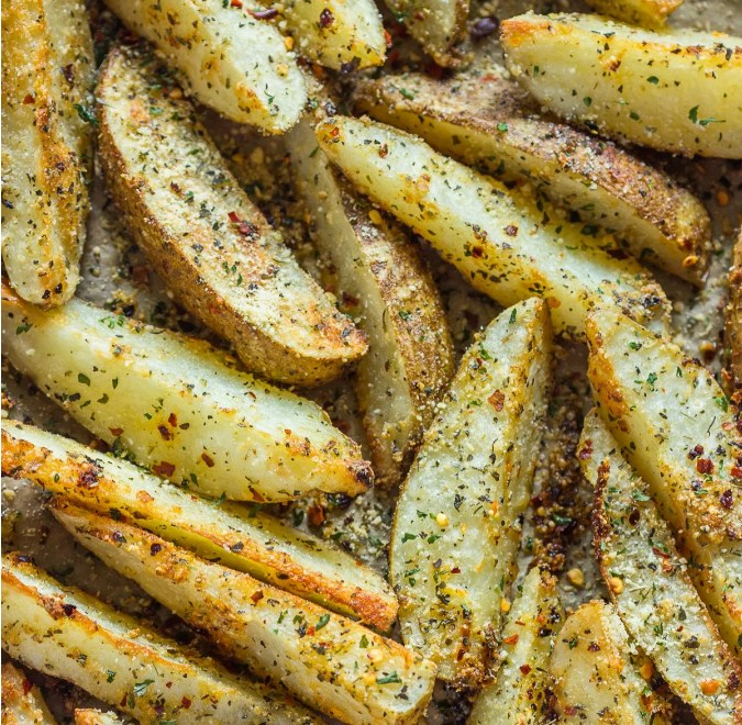Crispy Baked Garlic Parmesan Potato Wedges