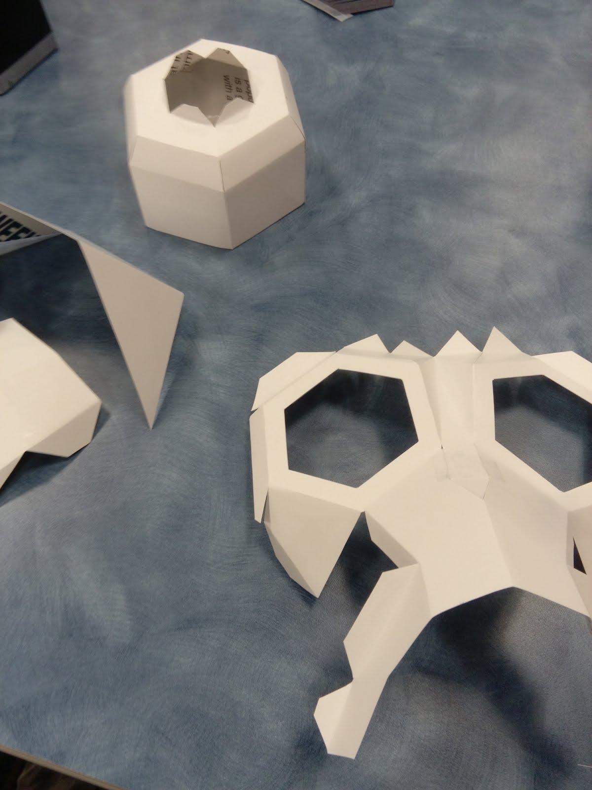 "Spray Paint Mask >> [Mattwins]: Building a ""Wintercroft"" paper mask"