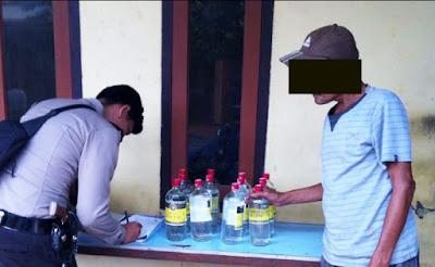 Polsek Pesantren Amankan 12 Botol Miras Kuntul