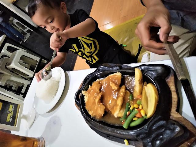 Makan Steak Murah Enak di Waroeng Steak and Shake