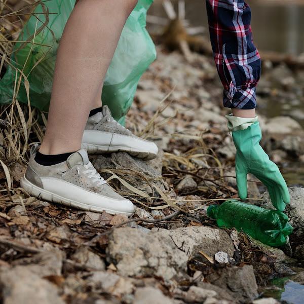 Jaga Taman Kota dengan Bersih-Bersih Bersama