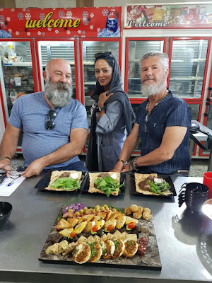 Due to its culinary variety, Iran might be a heaven for foodies. Whether you're in a hurry to satisfy your hunger or your funds are running a bit low, street food comes in handy while you're looking around the corner to find a meal.