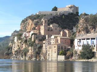 Ebro; Ebre; Castillo templario; Castell templer; Castillo; Castell; Miravet; Tarragona; Terres de l'Ebre; Catalunya; Cataluña; Catalonia; Catalogne