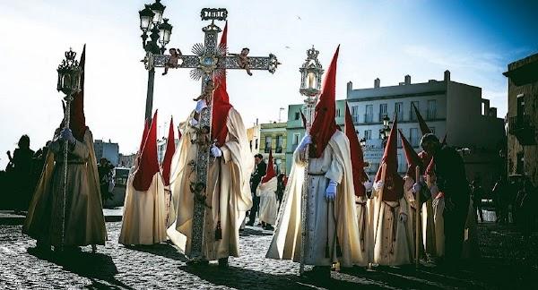 La Semana Santa de Cádiz, en manos del Obispado