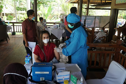 Ratusan Pelaku Pariwisata Melaksanakan Vaksinasi Kedua Untuk Meningkatkan Antibodi