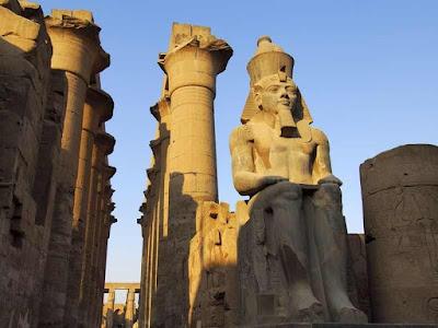https://images.memphistours.com/large/566088420_953314501_Luxor-temple-31%20(1).jpg